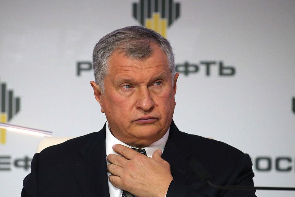 У «Роснефти» много инвестпроектов, в этом году инвестиции в поддержание и развитие компании должны составить 1,1 трлн руб., а в 2018 г. – 1,3 трлн руб., говорил Сечин