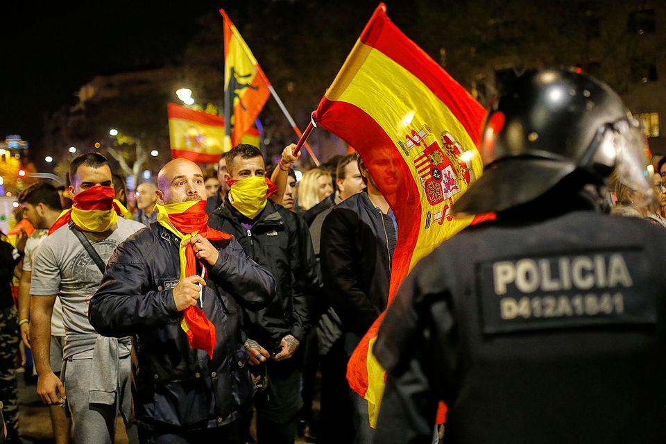 Митинг противников независимости в Барселоне