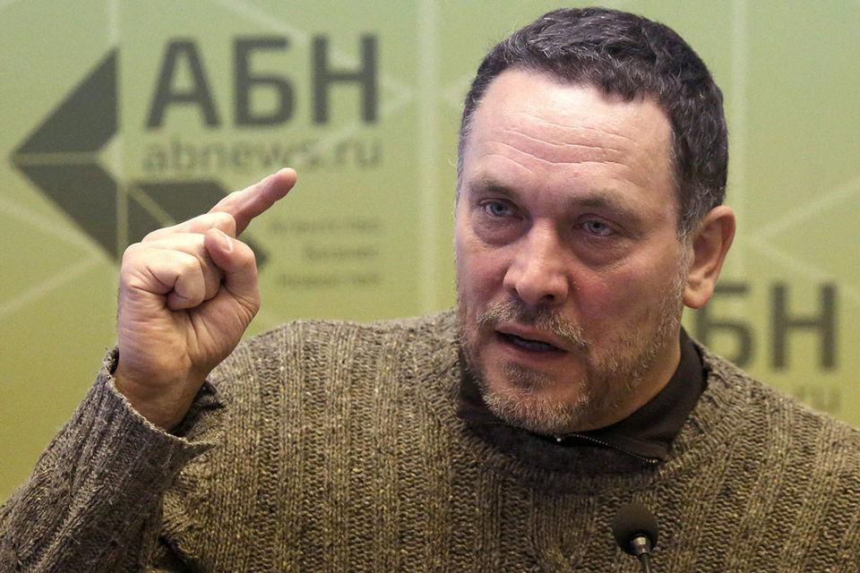 «Из Москвы в Кемерово прилетела опергруппа, которая вломилась к ним в дом, забрала их технику», - сказал Шевченко. По его мнению, такого не бывает при обычных гражданских исках