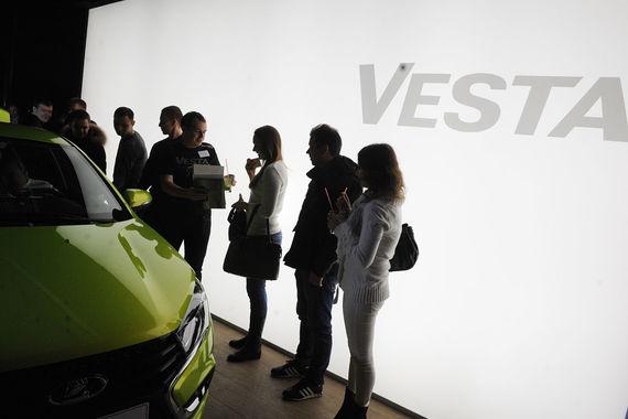 У дилеров «АвтоВАЗа» закончились универсалы Vesta и его cross-версии
