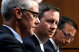 Юрисконсульты Facebook, Twitter и Google впервые одновременно и публично выступили перед конгрессменами