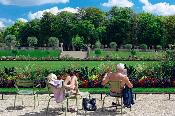 Второй по популярности европейский город - Париж (14,3 млн). Самой большой статьей расходов в Париже (44,8%) остается аренда жилья. Например, Париж – крупнейший рынок в мире для Airbnb. Высокая конкуренция среди арендодателей, которая должна сдерживать цены, компенсируется тем, что компания берет с них налоги по требованию мэрии для передачи в бюджет