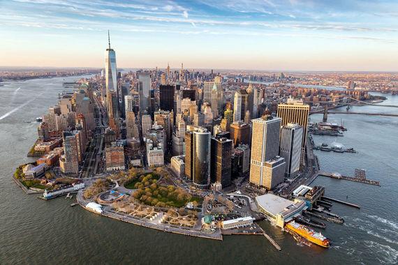 Самый популярный город Америки - Нью-Йорк, который посетили 13,1 млн туристов.  Расходы туристов остаются для города одной из важнейших статей дохода - например, в 2016 г. туристы потратили в Нью-Йорке $17 млрд (+1,5% к предыдущему году)
