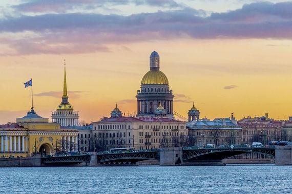Санкт-Петербург, который три года подряд получает престижную премию World Travel Awards как одно из самых привлекательных туристических направлений Европы, занял в рейтинге Euromonitor International только 73-е место. К 1 сентября город посетили 2,9 млн туристов