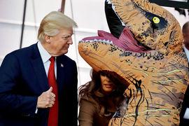 «Русские тролли» отвлекали американцев от скандалов с Трампом, пишет AP