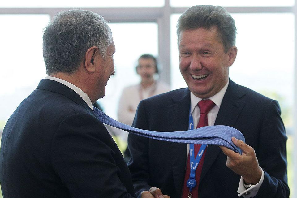 Предправления «Газпрома» Алексею Миллеру (справа на фото) будет не до смеха, если главный исполнительный директор «Роснефти» Игорь Сечин (слева) добьется реорганизации монополии