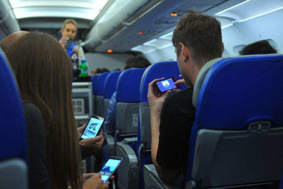 Сейчас интернетом на самолетах «Аэрофлота» пользуются только пассажиры дальних рейсов