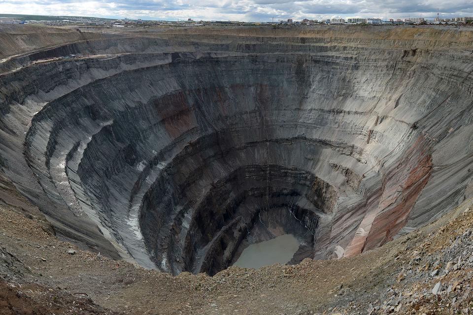 Рудник «Мир» остановлен уже три месяца, однако «Алроса» не меняет свои прогнозы
