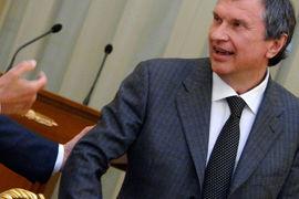 В понедельник пресс-секретарь «Роснефти» Михаил Леонтьев сообщил, что Сечин повестку не получил