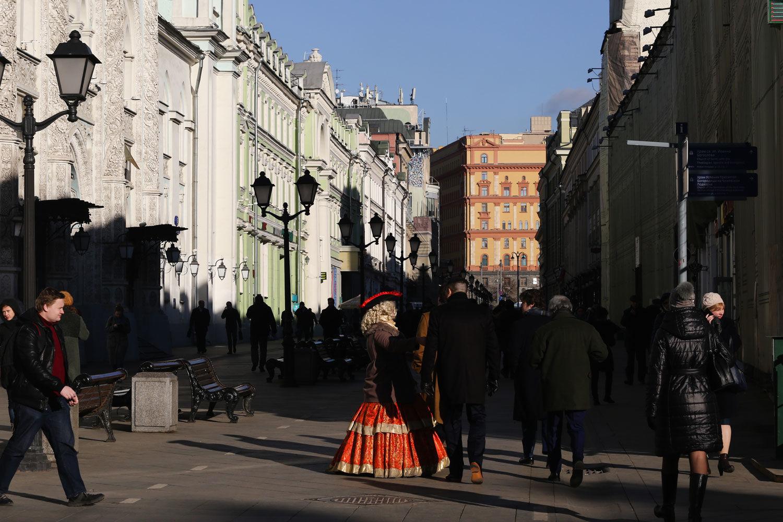 Как благоустройство изменило формат уличной торговли в центре Москвы –  ВЕДОМОСТИ 6dd208f6370