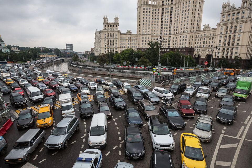 Сергей Собянин сразу после назначения на пост мэра в 2010 г. назвал пробки одной из основных проблем Москвы