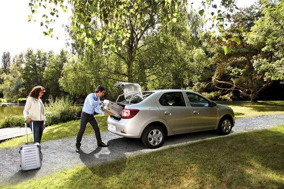 У Peugeot 206 и Dacia Logan (на фото) одинаковая и самая высокая  доля дефектов среди 4-5-летних автомобилей – 20,6%, при этом у Peugeot пробег в среднем меньше - 52 000 против 80 000 км. Другие слабые модели 2012-2013 гг. - VW Sharan, Renault Kangoo, Seat Alhambra (аналог Sharan), Chevrolet Spark и упомянутые среди худших 2-3-летних модели Dacia и Fiat