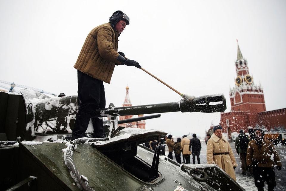 Рост военных расходов в странах НАТО до 2% ВВП вряд ли станет причиной сколь-нибудь заметного их увеличения в России, говорит чиновник Минобороны