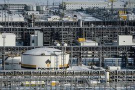 Магистральным считается трубопровод, который обеспечивает прием, транспортировку, сдачу товарной нефти (соответствующей требованиям ГОСТа) потребителям или перевалку на другой вид транспорта