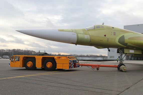 Замминистра обороны Юрий Борисов заявил недавно, что, когда программа Ту-160М2 заработает на полную мощность, казанский авиазавод станет одним из крупнейших предприятий города с годовым объемом производства в десятки миллиардов рублей.
