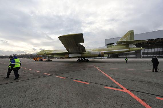 Общая стоимость программы Ту-160М2 составит, по ряду оценок, сотни  миллиардов рублей, а стоимость научно-исследовательских и  опытно-конструкторских работ, а также инвестиции в производство -  десятки миллиардов рублей