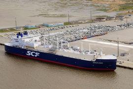 Чтобы вывезти углеводороды Северным морским путем, компаниям придется зарегистрировать суда под российским флагом