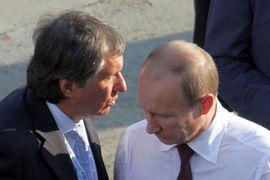 Президент России Владимир Путин и главный исполнительный директор «Роснефти» Игорь Сечин