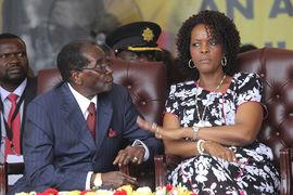 Роберт Мугабе, президент Зимбабве, с женой Грейс
