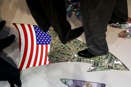 По мнению авторов отчета, общий спад деловой активности, макроэкономическая неопределенность и обесценение рубля снизили объем венчурного капитала в России