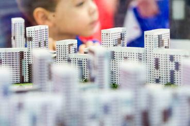 Сейчас около половины новой ипотеки выдается на строящееся жилье, и значительную часть банки фондируют самостоятельно