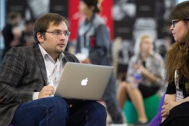 Сперва искусственный интеллект должен проанализировать все российские законы и понять, где нормы дублируются или противоречат друг другу, говорит Куликов