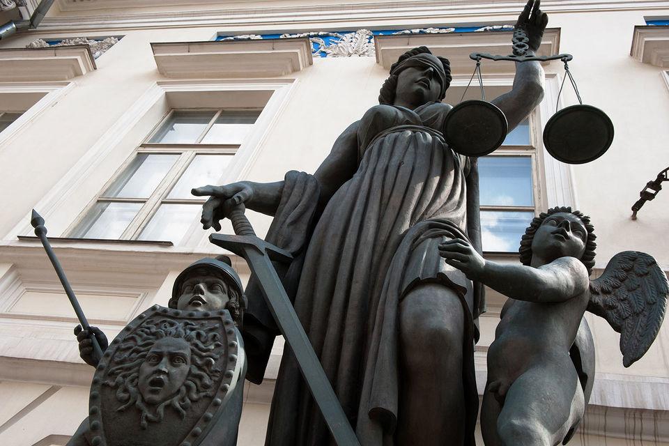 Споры частных клиентов с банками по-прежнему будут решаться в суде