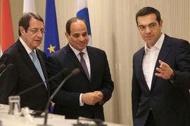 Президент Кипра Никос Анастасиадес, президент Египта Абдул-Фаттах Ас-Сиси и премьер-министр Греции Алексис Ципрас (слева направо) хотят диверсифицировать поставки энергоносителей