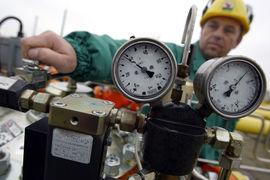 По данным МЭА, при добыче нефти и газа в атмосферу ежегодно выбрасывается около 76 млн т метана.