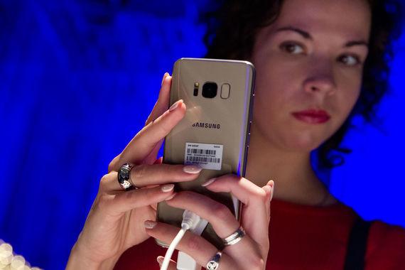 normal 1j2e Samsung разработал новый тип аккумуляторов для смартфонов