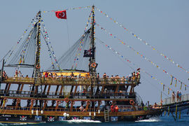 Российские туристы готовы вернуться с отечественных черноморских курортов в Турцию