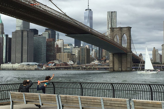 Instagram составил топ-10 самых популярных городов мира в 2017 г. В рейтинг включены два российских города. Список мегаполисов был составлен на основе геотегов городов, в которых было сделано больше всего фотографий. На первом месте рейтинга - Нью-Йорк