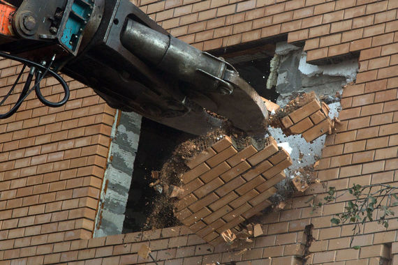 normal 19i0 Громкие сносы Москвы: сломали или осталось?