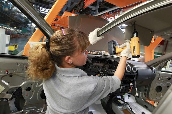 Замыкает десятку самых щедрых компаний Ростех с 24,6% с расходами на персонал в 60,8% выручки