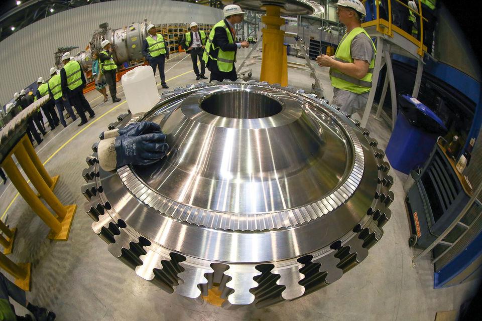 Siemens попросил суд вернуть «Сименс технологии газовых турбин» (дочернее предприятие Siemens и «Силовых машин») газовые турбины, проданные «Технопромэкспорту» и впоследствии поставленные в Крым, заявил представитель Siemens на заседании Арбитражного суда Москвы