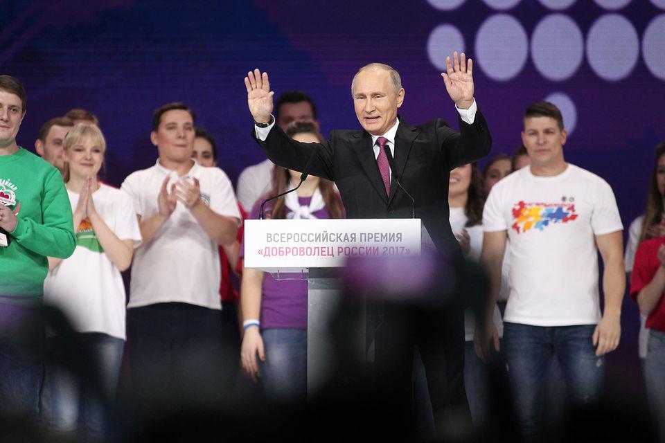 Путин заявил о скором решении по участию в выборах президента