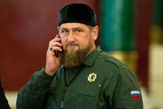 «Ни один спортсмен с чеченской пропиской не будет выступать под нейтральным флагом. А тех чеченских спортсменов, которые по всем критериям должны были попасть в сборную и поехать на Олимпиаду, мы будем чествовать как победителей!» - написал глава Чечни Рамзан Кадыров в Telegram