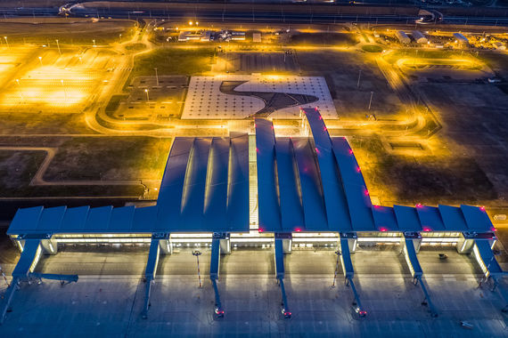 Половину рейсов из «Платова» будет выполнять новая авиакомпания –  «Азимут» (проект совладельца «Внуково» Виталия Ванцева и его партнеров)
