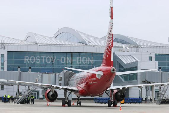 «Платов» – первый аэропорт, построенный в России с нуля в постсоветское  время. Основным инвестором стала ГК «Ренова» Виктора Вексельберга
