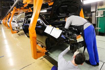 График производства зависит от полученных заказов и выполнения плана производства на текущий месяц