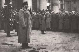 Троцкий говорил: «Не будь меня в 1917 г. в Петербурге, Октябрьская  революция произошла бы – при условии наличности и руководства Ленина.  Если бы в Петербурге не было ни Ленина, ни меня, не было бы и  Октябрьской революции...»