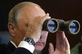 После присоединения Крыма и взлета рейтингов Путина на заоблачный  уровень необходимость в ожесточенной войне с оппозицией фактически  отпала