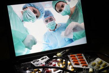 Удаленные консультации с врачами в России легализовал закон о телемедицине