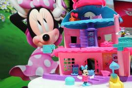 Disney интересуют прежде всего телевизионный бизнес Fox, говорят знакомые с ходом переговоров люди