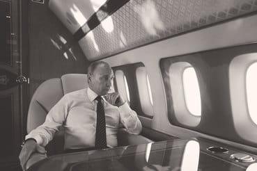 В понедельник Путин объявил на российской авиабазе в Хмеймиме о начале вывода российских войск из Сирии