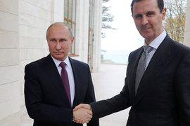На российской авиабазе Хмеймим его встретил президент Сирии Башар Асад (архивное фото)