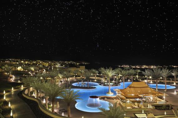 Лучший спа в пустыне - Anantara Spa на курорте Qasr Al Sarab Desert Resort. Их фирменная процедура - трехдневный восстановительный курс