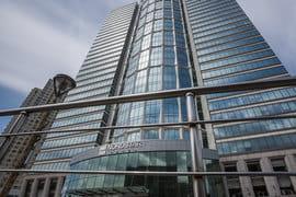 Блажко пришлось отказаться от контроля над крупным офисным центром на Беговой