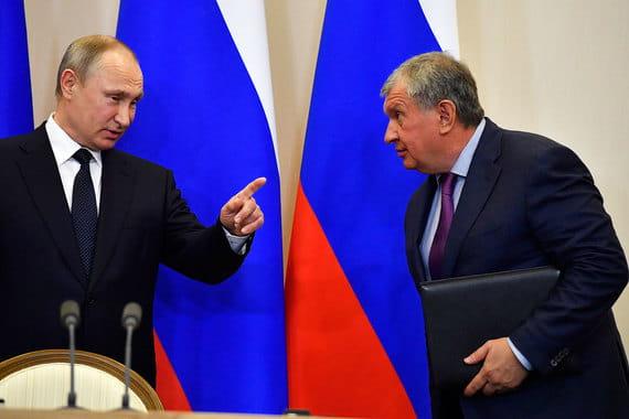Путин прокомментировал неявку Сечина в суд над Улюкаевым