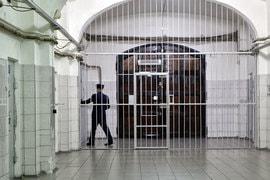 Переписка адвоката с клиентом не должна покидать стен тюрьмы